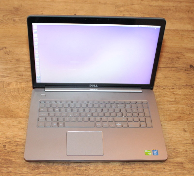 Dell Inspiron 17 laptop 7737 - running Ubuntu Linux